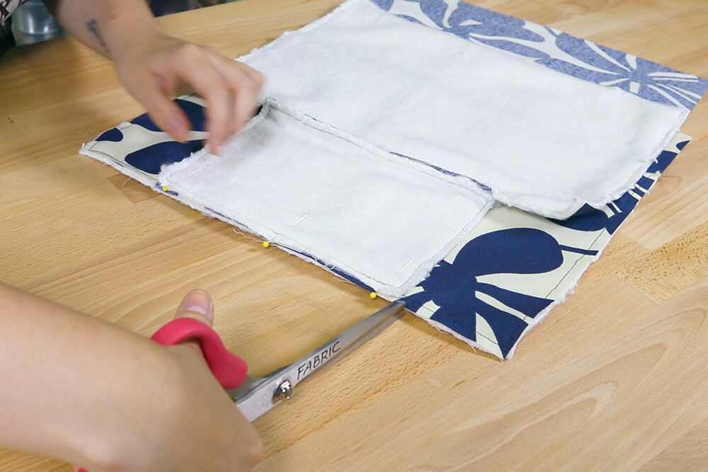 How To Make a Lunch Bag - Step: 3 Sew the pieces together