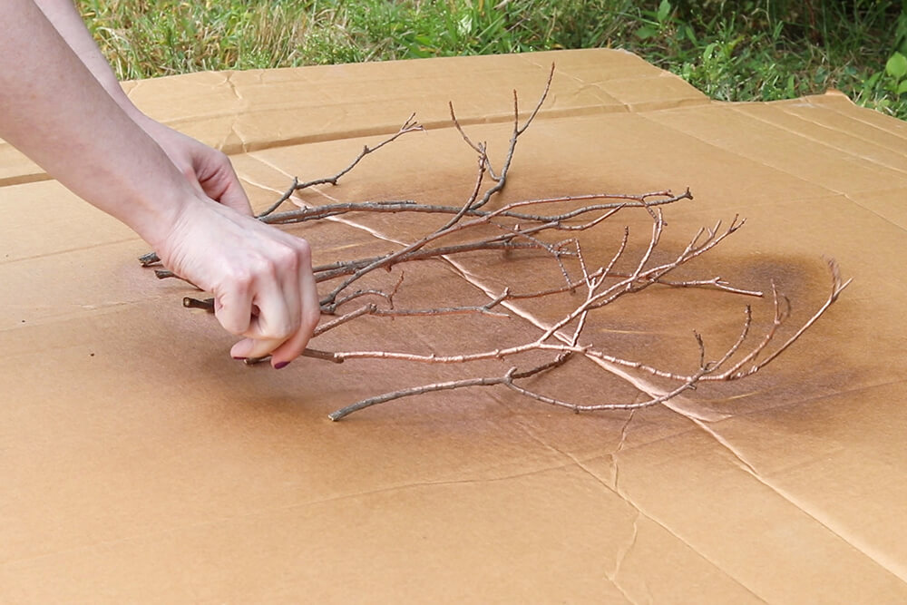 Fall Centerpiece with Leaves - Spray paint the branches