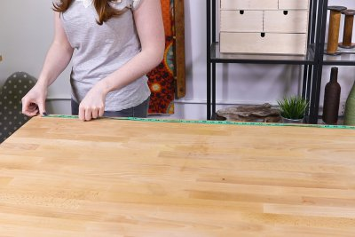 How to Make a Tablecloth - Measure table length
