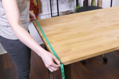 How to Make a Tablecloth - Measure table width