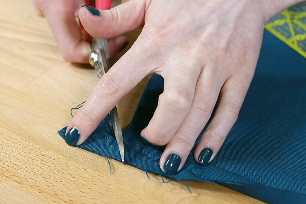 How to Make a Tablecloth - Cut on line