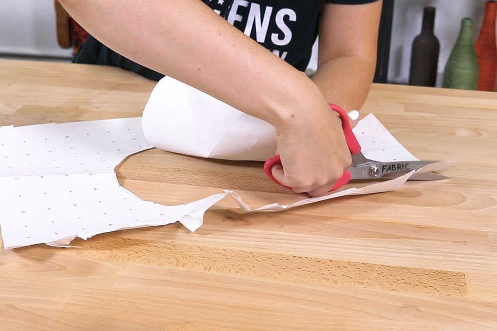 How to Make an Oven Mitt - Measure and cut the fabric