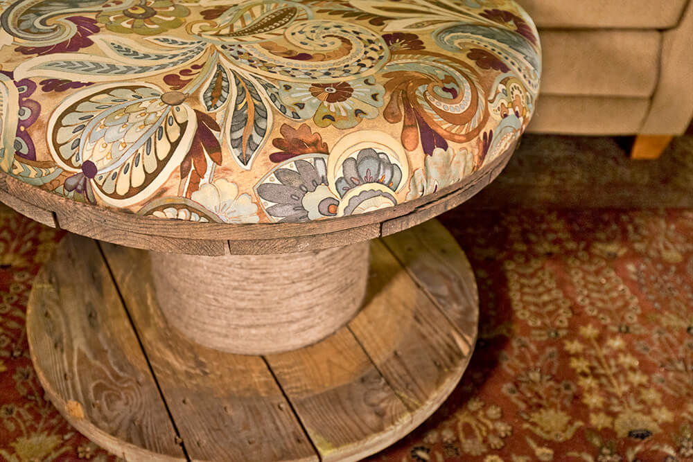 spool-ottoman-finished-1