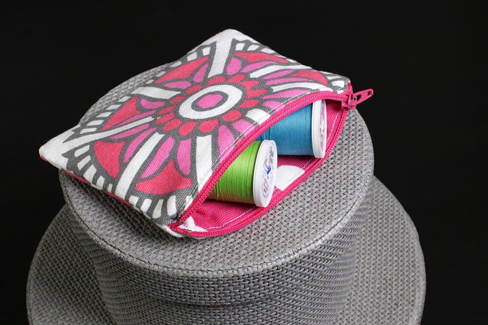zipper-pouch-open-1