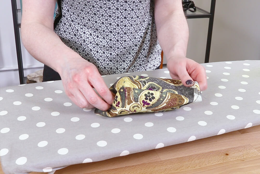 How to Make a Faux Leather Vinyl Handbag - Step 3