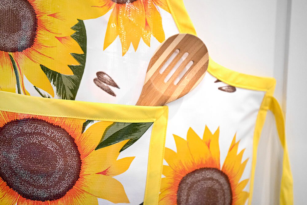 How to Make an Oilcloth Apron