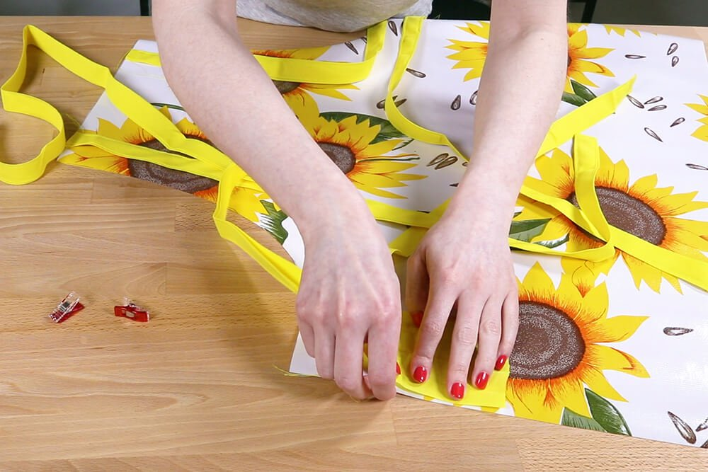 How to Make an Oilcloth Apron - Step 4