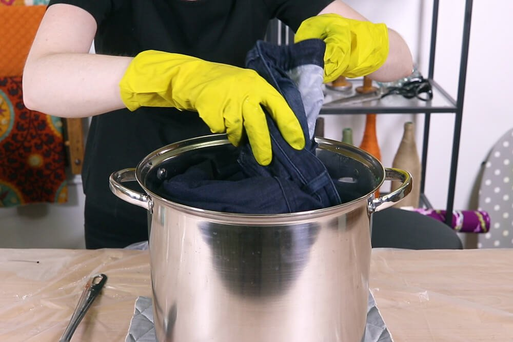 How to Dye Faded Jeans - Denim Blue