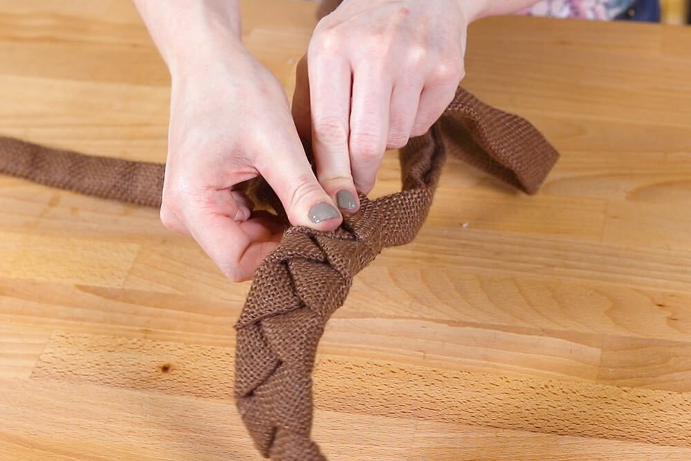 How to Make Burlap Flower Wreaths for Every Season - Step 4