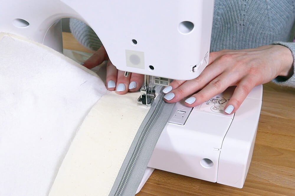 How to Make a Tote Bag with a Zipper - Step 5