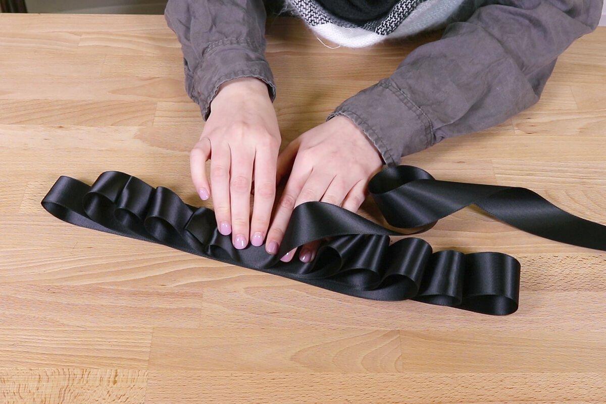 Fold ribbon back and forth