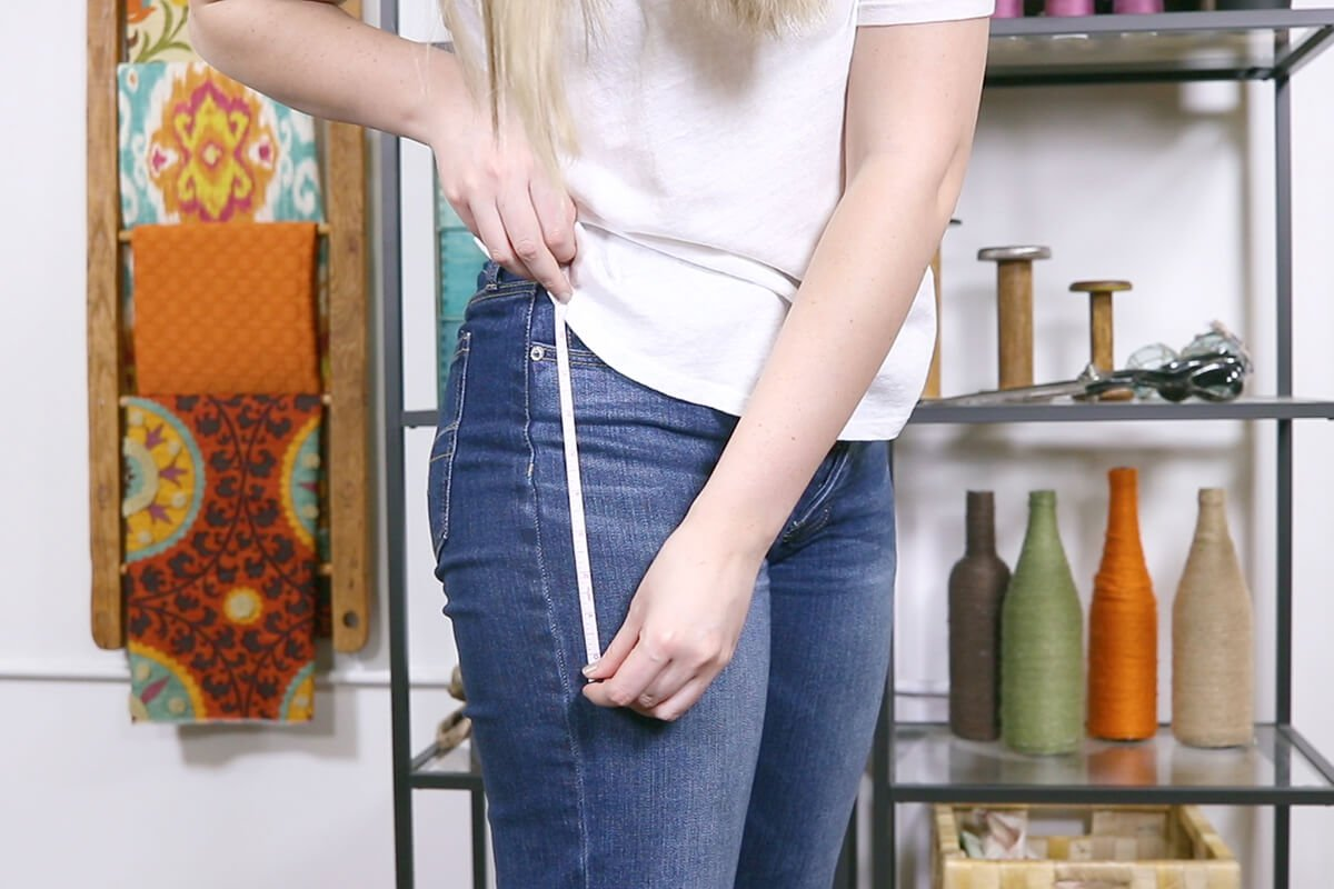 Measure the distance between waist and widest part