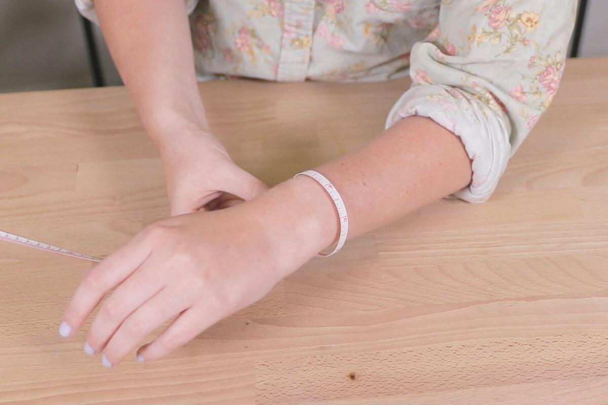 measure your wrist