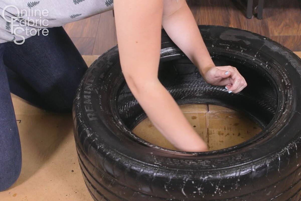 Clean the tire