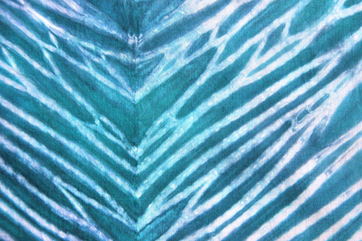 shibori-pole-dyeing-2