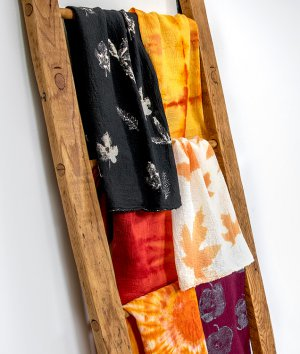 How to Make Fall Themed Hand Towels